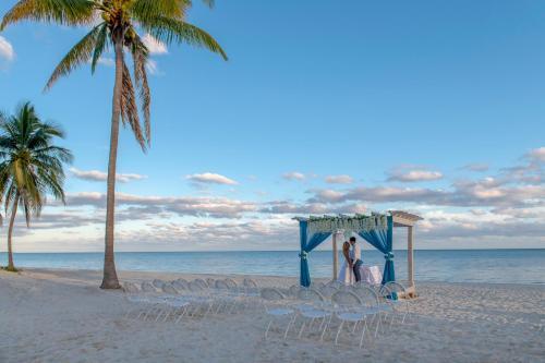 Viva Wyndham Fortuna Beach All Inclusive picture 1 of 50