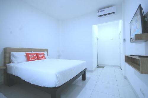 RoomMe Meruya Saphire ( Syariah ), Jakarta Barat