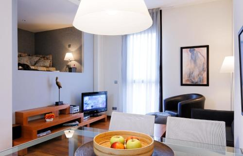 Inside Barcelona Apartments Mercat photo 4
