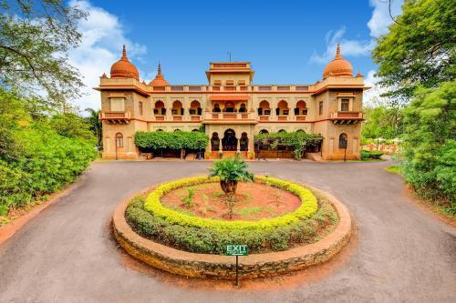 . WelcomHeritage Shivavilas Palace, HAMPI