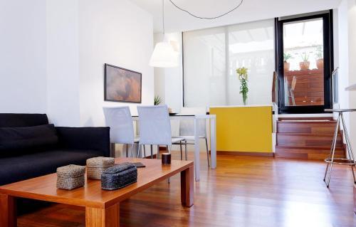Inside Barcelona Apartments Mercat photo 7