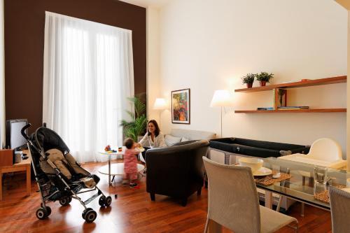Inside Barcelona Apartments Mercat photo 8