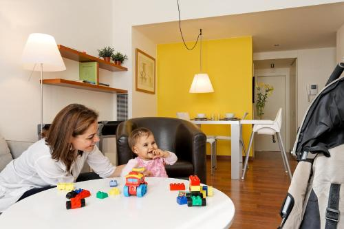 Inside Barcelona Apartments Mercat photo 9