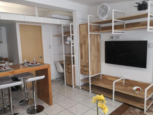 Modern, charming and Very Well Located Apt A 룸 사진