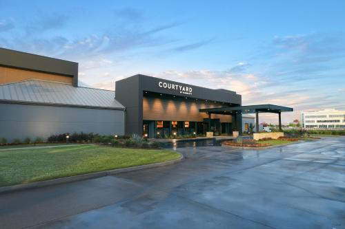 Courtyard by Marriott Dallas DFW Airport North-Irving