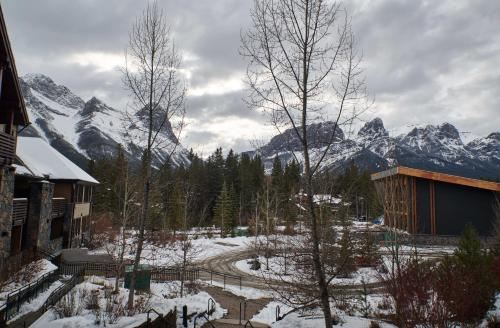 Rundle Cliffs Lodge by Spring Creek Vacations - Canmore, AB T1W 0G9