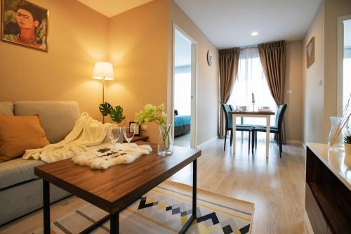 Ekkamai Suite高级旅住公寓(家庭房)楼下7-11 近曼谷大学 交通便利 Ekkamai Suite高级旅住公寓(家庭房)楼下7-11 近曼谷大学 交通便利