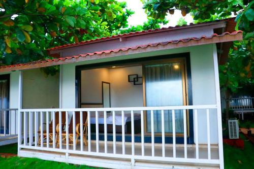 Sea View Beach Resort Shekhadi Hotel Shrivardhan Deals Photos Reviews
