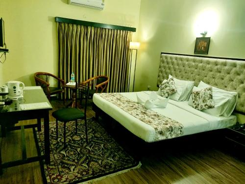 . Guest inn Suites