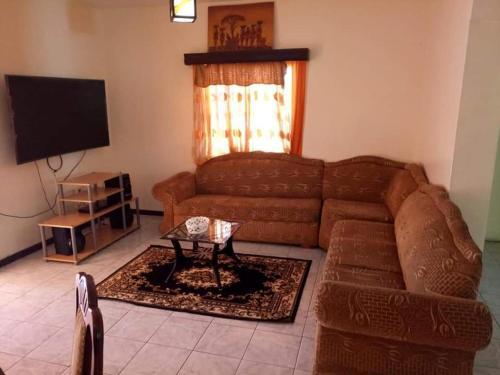 Taji-Shree Apartments & Villas