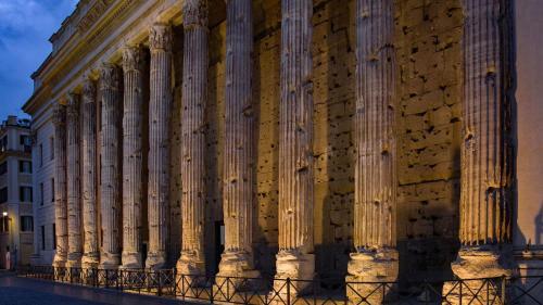 Casa Bella Adriano's Temple