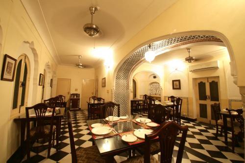 Bagru ka Rasta,Chandpole Bazar, Jaipur, 302001 Jaipur, India.