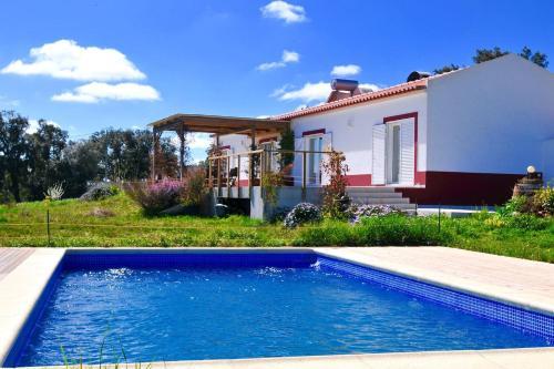 Cal Velho - Holiday Lodge, 7630-490 São Luís