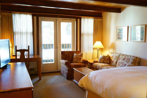 Post Hotel and Spa - Lake Louise