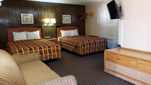. Grand Motel