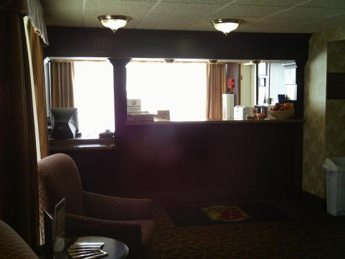 Super 8 By Wyndham Erie/I 90 - Erie, PA 16509