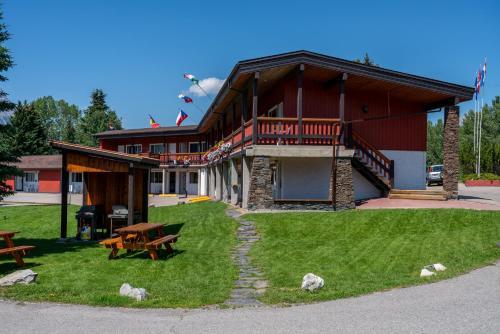 Rocky Mountain Ski Lodge - Photo 7 of 122