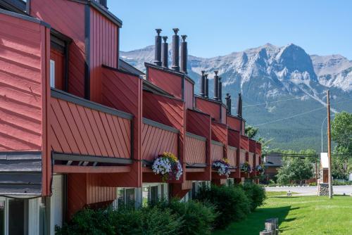 Rocky Mountain Ski Lodge - Photo 6 of 122