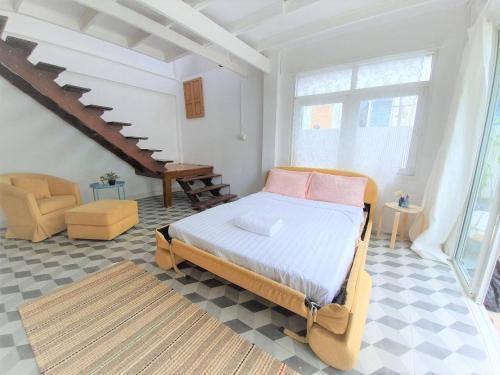 Vintage Cottage near Thonglor, 3 Bedrooms, up to 12 PAX Vintage Cottage near Thonglor, 3 Bedrooms, up to 12 PAX
