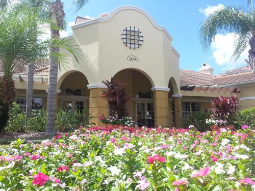 Orlando Resort Rentals At Universal Boulevard - Orlando, FL 32819