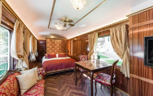 Luxury Lodge - Orient Express Lener - Accommodation - Campo di Trens