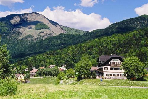 Accommodation in Goriska and Karst
