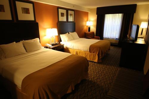 Holiday Inn Express & Suites Danbury - I-84 - Danbury, CT 06811