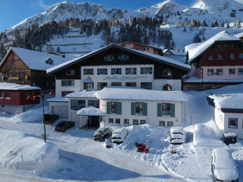 . Andi's Skihotel