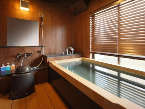River view Superior Room with Tatami Area and Private Hot Spring Bath - Non-Smoking