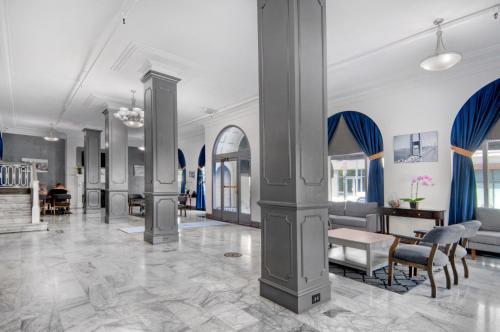 The Monarch Hotel - San Francisco, CA CA 94109