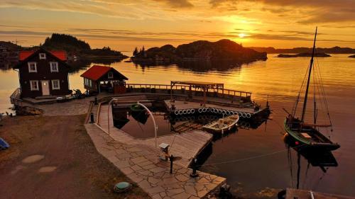 Kobbaneset No 1 - Tett På Havet - Bekkjarvik - Photo 1 of 27