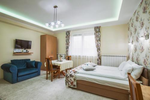 Gita Apartman, Makó