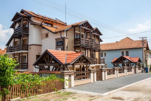 Vila Almax