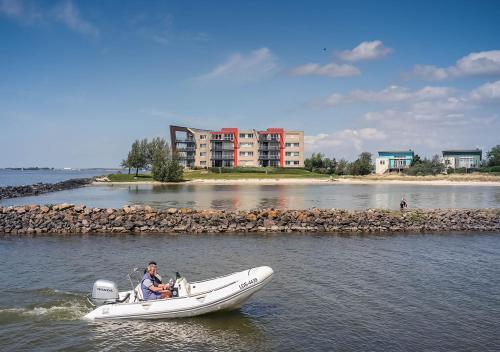 . Beach Resort Makkum Luxe Appartementen