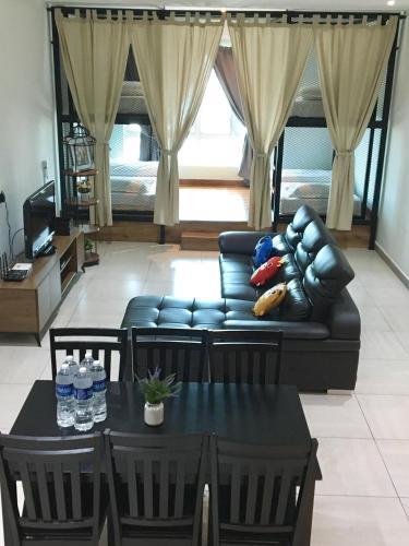PM Octagon Ipoh Duplex Suite (4-12paxs), Kinta