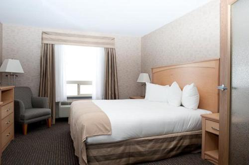 Paradise Inn and Suites - Valleyview, AB T0H 3N0