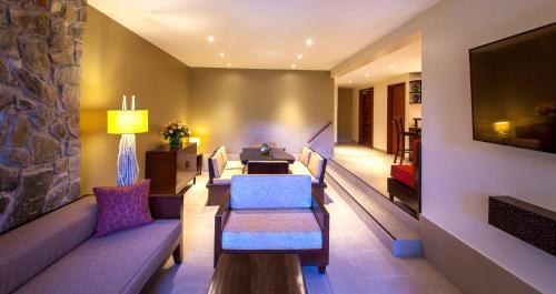 Kempinski Seychelles Resort room photos