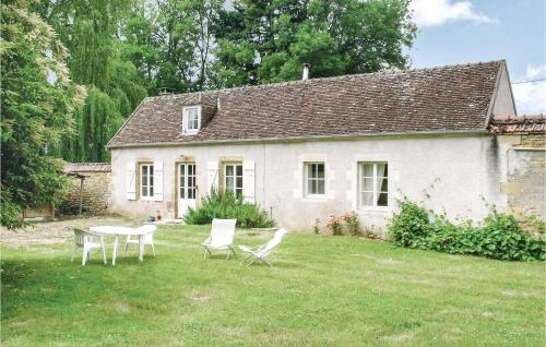 . Holiday Home St. Jean Aux Amognes with a Fireplace 08