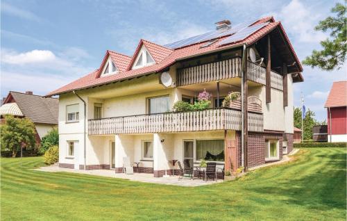 . Three-Bedroom Apartment in Breuna
