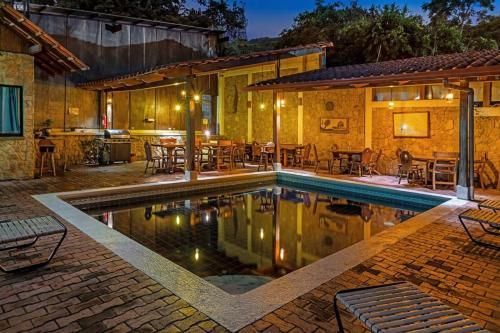 Hotel Costa Verde Inn