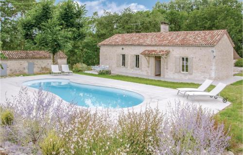 Five-Bedroom Holiday Home in Sembas - Location saisonnière - Sembas
