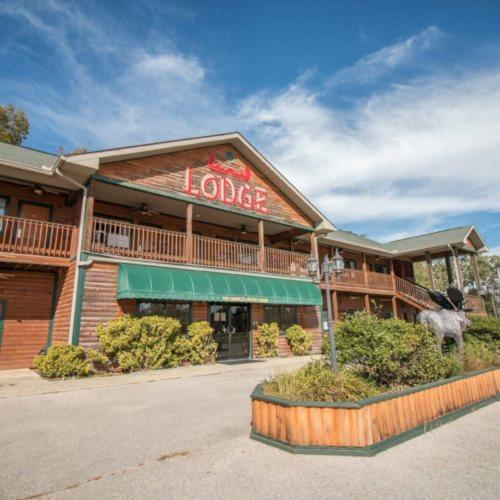 . Bullwinkles Rustic Lodge