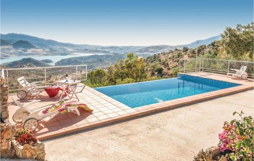Three-Bedroom Holiday Home in Cadiz