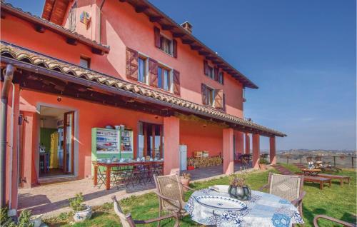 Seven-Bedroom Holiday Home in Castelnuovo Calcea - Castelnuovo