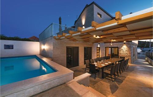 Nine-Bedroom Holiday Home in Kaprije