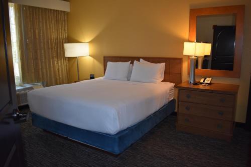 Carlsbad Suites - Carlsbad, CA CA 92008