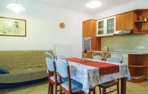 . Apartment Stari trg ob Kolpi 06