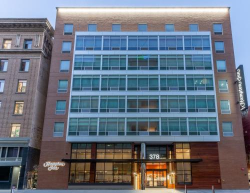 . Hampton Inn Oakland Downtown-City Center