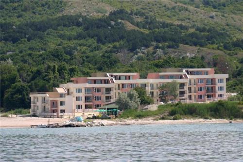 . Sea Paradise Apartment Complex