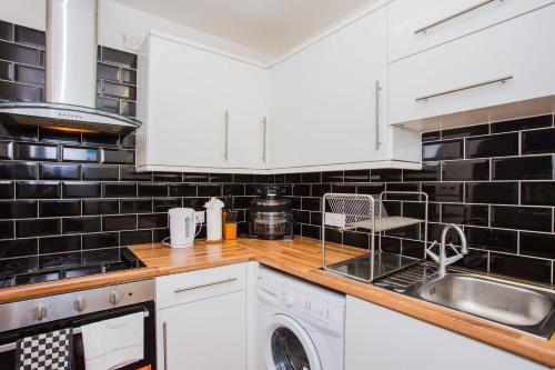 Picture of Homely 2 Bedroom House By Canary Wharf